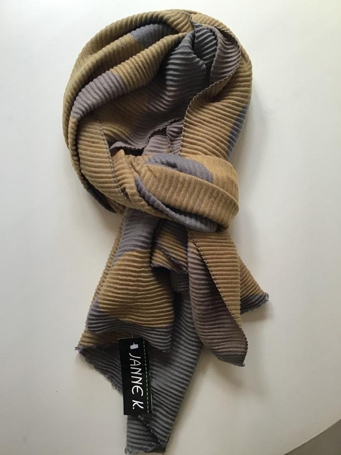 Tørklæde, tykt m/store prikker, Gul
