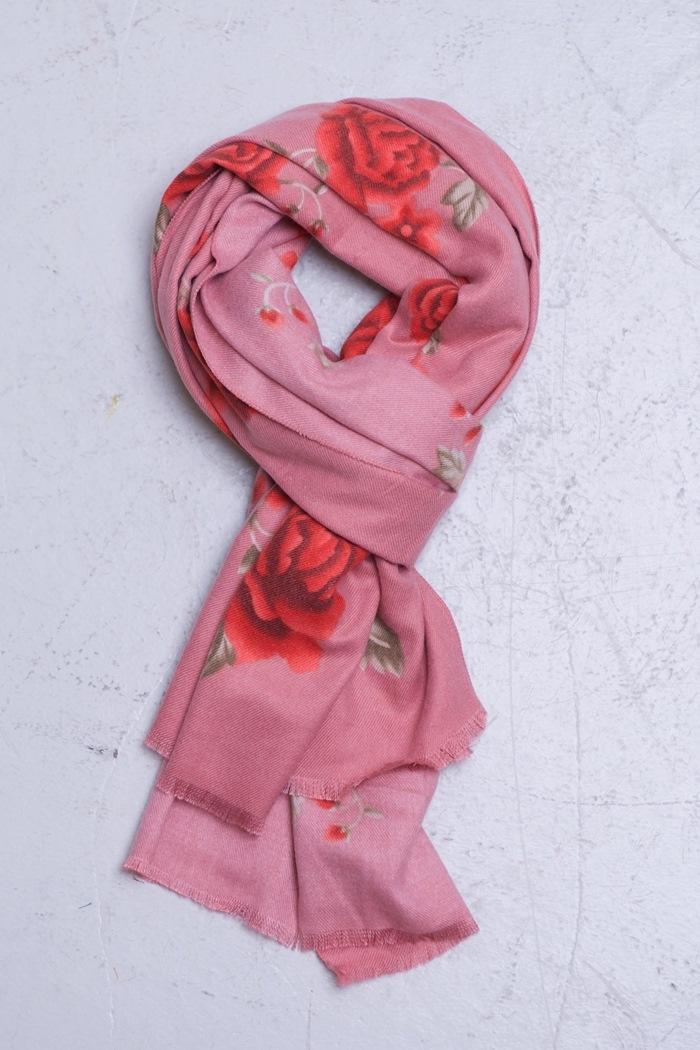 Tørklæde m/blomster, Rosa